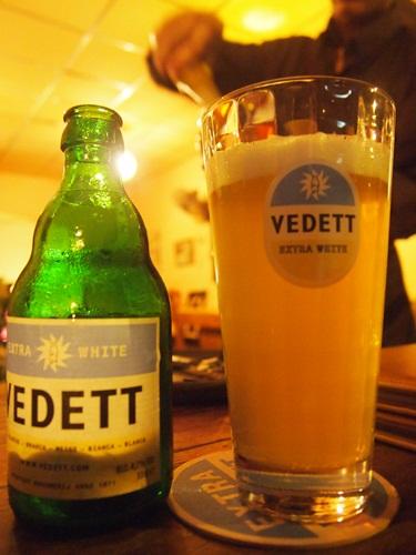 ラオスでベルギービール★_e0182138_2291626.jpg