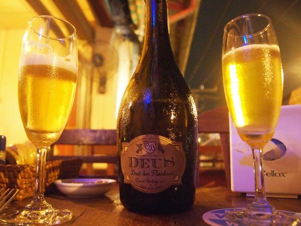 ラオスでベルギービール★_e0182138_2294596.jpg