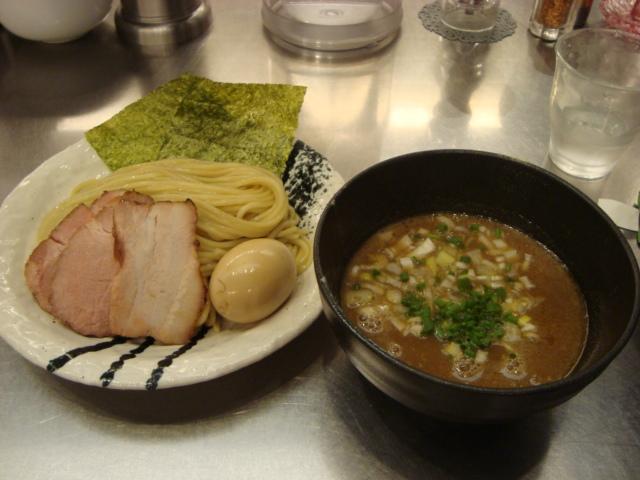 東京「麺処 ほん田」へ行く。_f0232060_0355139.jpg