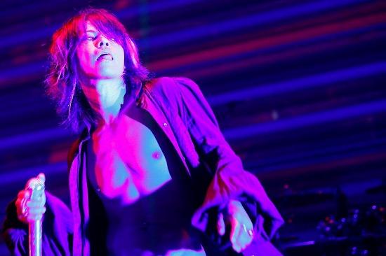 [レポート]VAMPS、全国10ヵ所49公演のロングツアーがついに閉幕!_e0197970_16501956.jpg