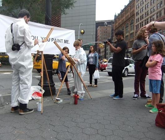 ニューヨークの街角アート実験 I PAINT YOU. YOU PAINT ME._b0007805_23203950.jpg