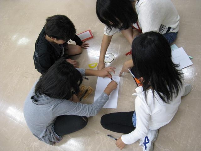 青少年研修センターにおける「ふれあい合宿」にて、2つのワークショップを行いました。_c0167632_1622385.jpg