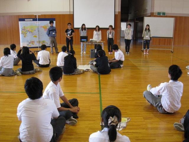 新潟県立国際情報高等学校において英語ワークショップを実施しました。_c0167632_1740591.jpg