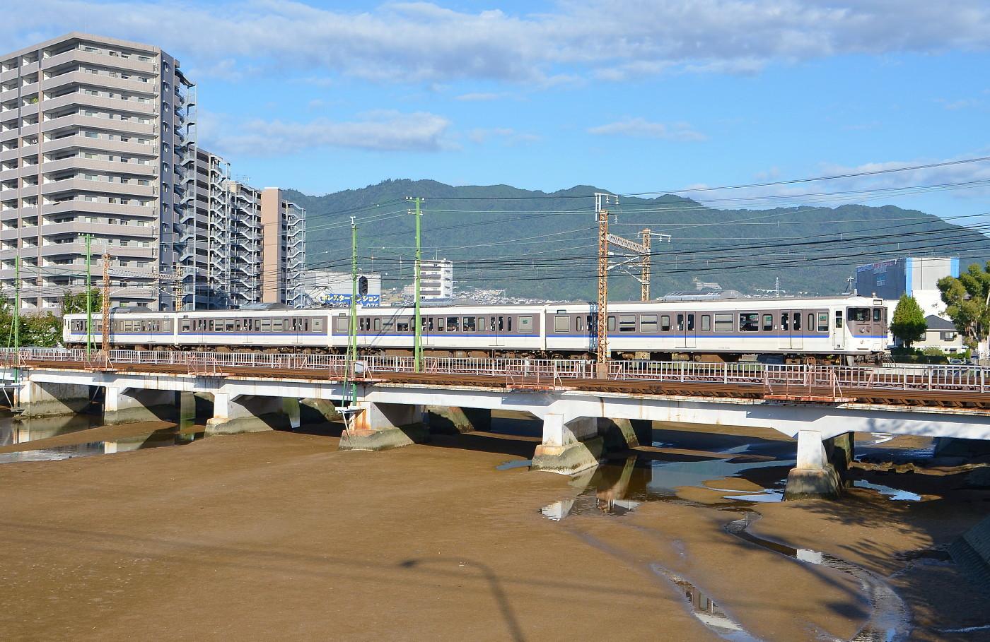 カープトレイン ラストラン  山陽本線八幡川_a0251146_1572887.jpg