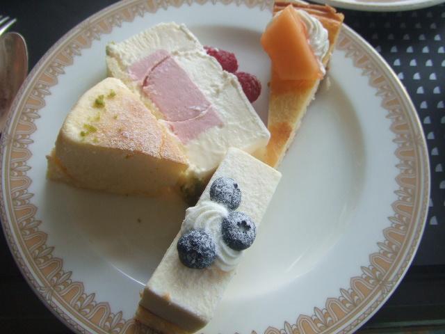 ヨコハマグランドインターコンチネンタルホテル マリンブルー チーズデザートブッフェ_f0076001_0283992.jpg