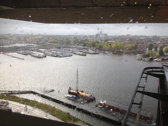 アムステルダム 1_a0088007_2138114.jpg