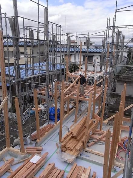 『小原田の家+アトリエ』 建て方開始!_e0197748_1515578.jpg