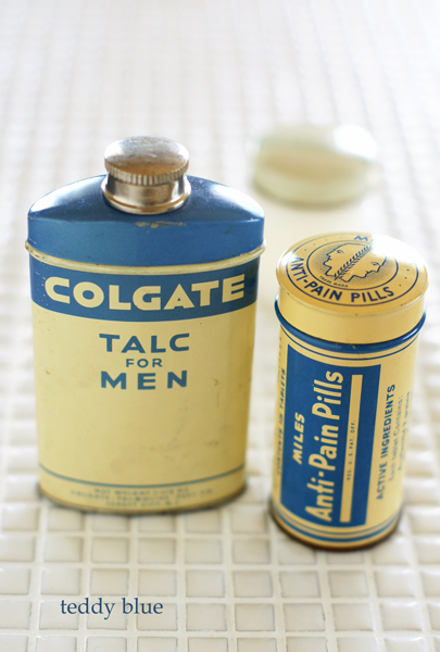 vintage medicine tins  ヴィンテージの薬缶_e0253364_2042146.jpg