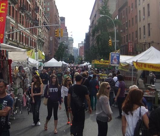 相変わらず活気溢れるニューヨークのストリート・フェア_b0007805_22143471.jpg
