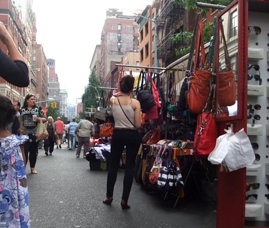 相変わらず活気溢れるニューヨークのストリート・フェア_b0007805_22173547.jpg