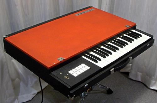 RMI Lark Combo Organ メンテナンス3 Complete!_e0045459_19514587.jpg