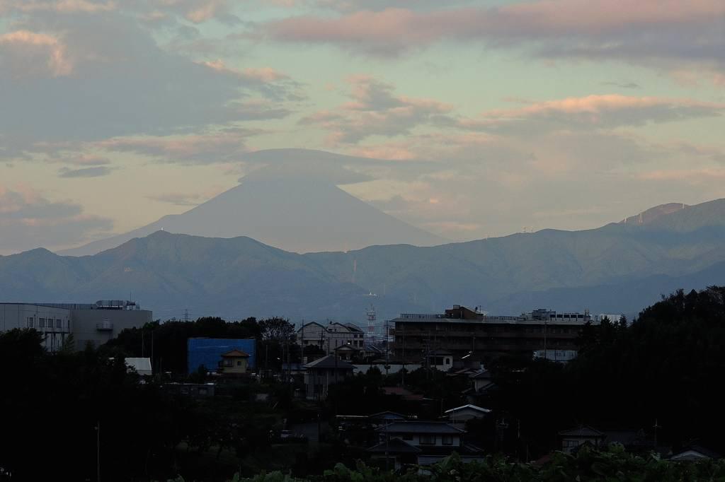 シメが入りました/今朝のカワちゃん/富士山に笠雲_b0024798_9593749.jpg