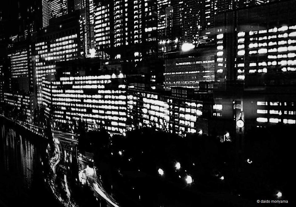 取次搬入日確定&サンプル公開:森山大道写真集『モノクローム』_a0018105_1537099.jpg