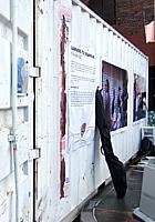 NYのアートフェスティバルで見かけたコンテナ・ギャラリー_b0007805_13201212.jpg