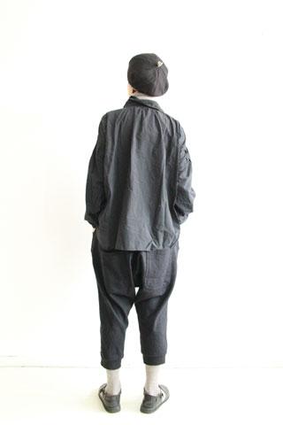 黒のBASICシャツ_f0215708_14215563.jpg