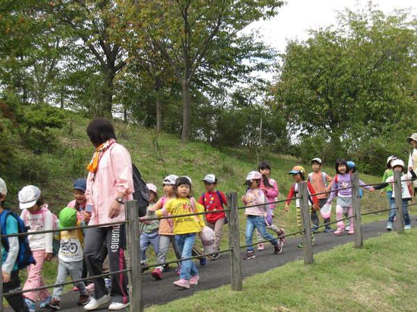 楽しかったピクニック!!(ゆり・すみれ)_a0180348_18133181.jpg