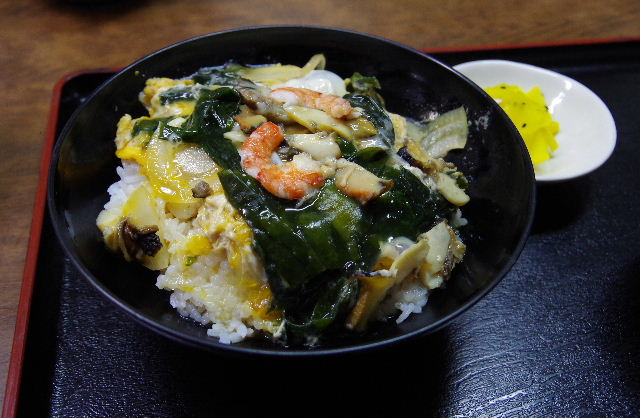 志賀島の中西食堂で「さざえ丼」を食す。_c0011649_0261214.jpg