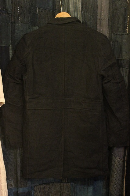 ""\""""THE DELIVERY MAN""""  CHIN LAPEL COAT_d0121303_132311100.jpg""426|640|?|en|2|59fcbee0acc73267f80615ce3e8c709c|False|UNLIKELY|0.2835744023323059