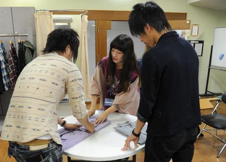 2012年10月13日,14日にNSCカレッジでは体験入学が開催 その2_b0110019_1681631.jpg