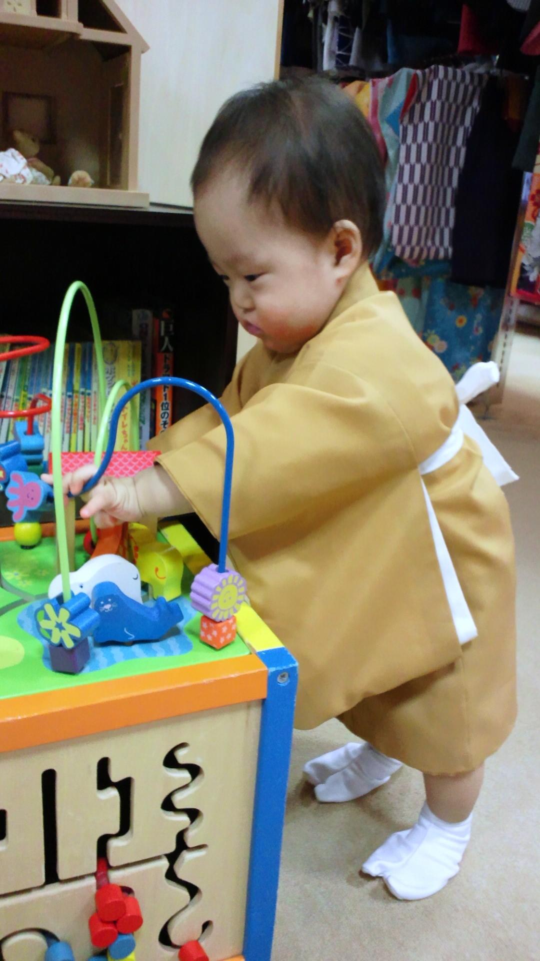 1歳の記念写真を撮ってきました_a0267942_1501360.jpg