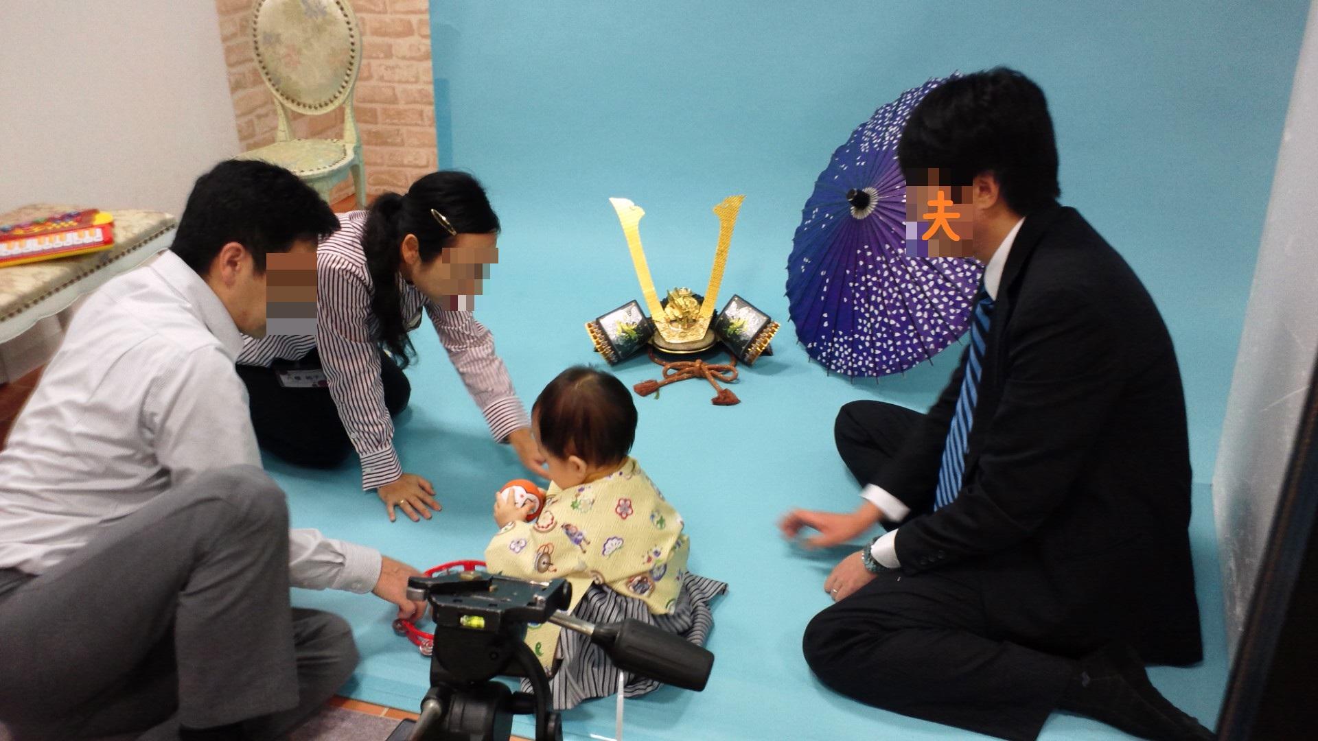 1歳の記念写真を撮ってきました_a0267942_1505374.jpg