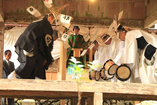 日吉神社 矢代田楽_e0048413_21162067.jpg