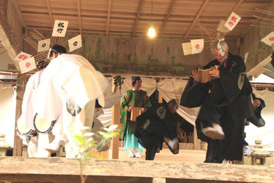 日吉神社 矢代田楽_e0048413_2116958.jpg
