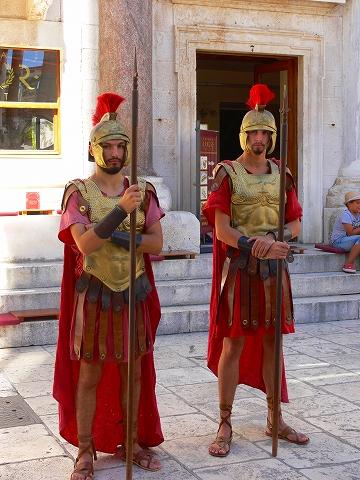 中欧家族旅行2012年08月-第四日目-スプリット・ディオクレティアヌス宮殿散策(I)_c0153302_14391775.jpg
