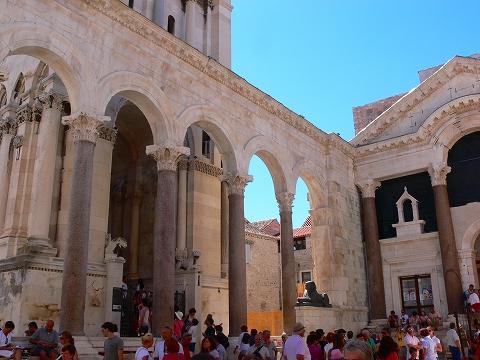 中欧家族旅行2012年08月-第四日目-スプリット・ディオクレティアヌス宮殿散策(I)_c0153302_14394139.jpg