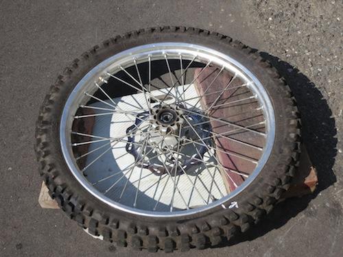 タイヤの組み替え_f0141609_20593770.jpg
