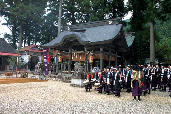山国神社 例大祭_e0048413_22522160.jpg