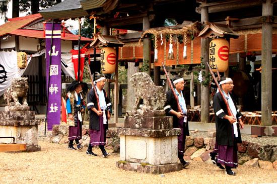 山国神社 例大祭_e0048413_22523376.jpg