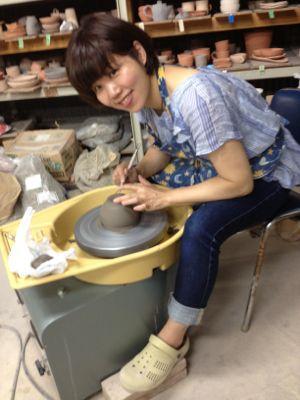 江美さんの陶芸展、お知らせ_f0095325_2038938.jpg