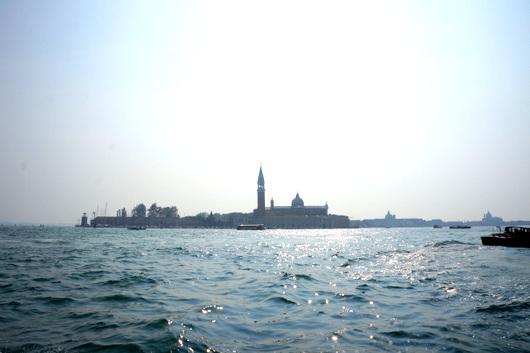 ベネチア愛の旅:水上タクシー_c0201334_8511538.jpg