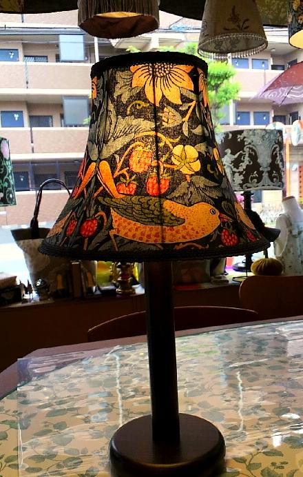 モリスのテーブルランプを作りました。_c0157866_16423238.jpg