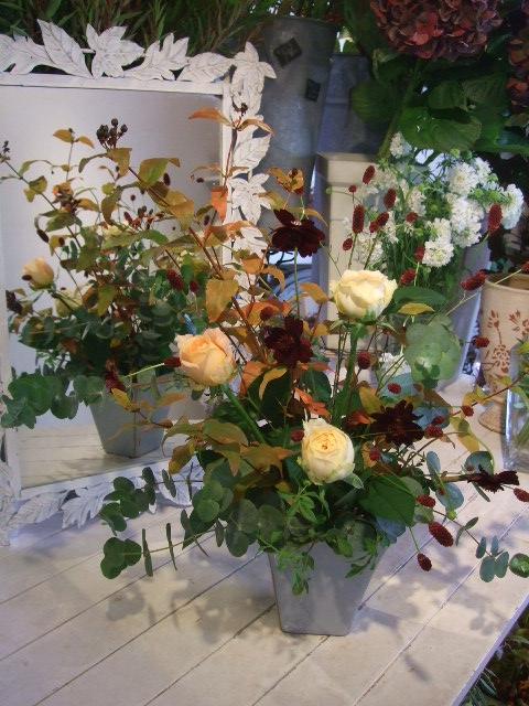 オークリーフ花の教室(清水さんと安藤さんの作品)_f0049672_16485168.jpg