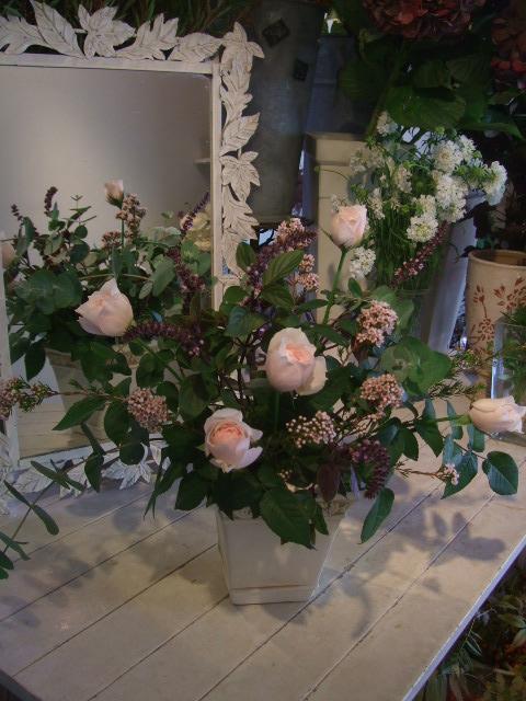オークリーフ花の教室(清水さんと安藤さんの作品)_f0049672_17152758.jpg