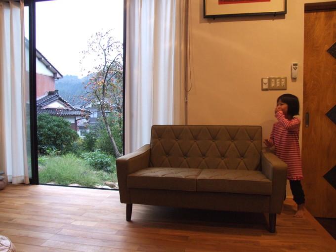 ソファにゴロン。_d0224984_14432092.jpg