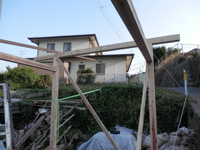 「倉庫作り」と秋の「さんぽ」☆_a0125419_2174820.jpg