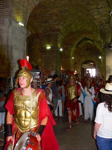 中欧家族旅行2012年08月-第四日目-スプリット・ディオクレティアヌス宮殿散策(II)_c0153302_828478.jpg