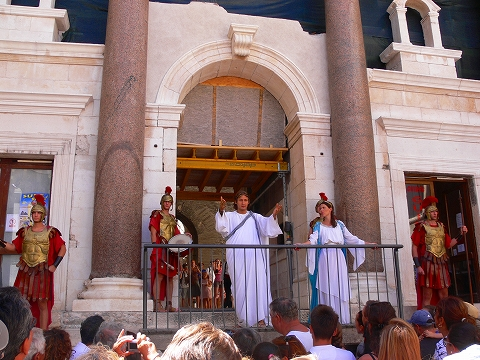 中欧家族旅行2012年08月-第四日目-スプリット・ディオクレティアヌス宮殿散策(II)_c0153302_8324610.jpg