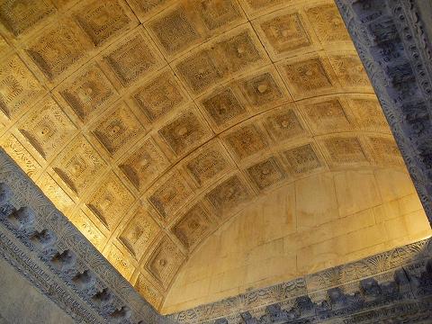 中欧家族旅行2012年08月-第四日目-スプリット・ディオクレティアヌス宮殿散策(II)_c0153302_92381.jpg