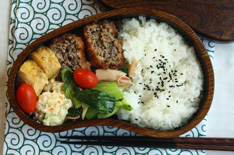 栗の木のお弁当箱のすすめ~yasato910_b0277136_8193390.jpg