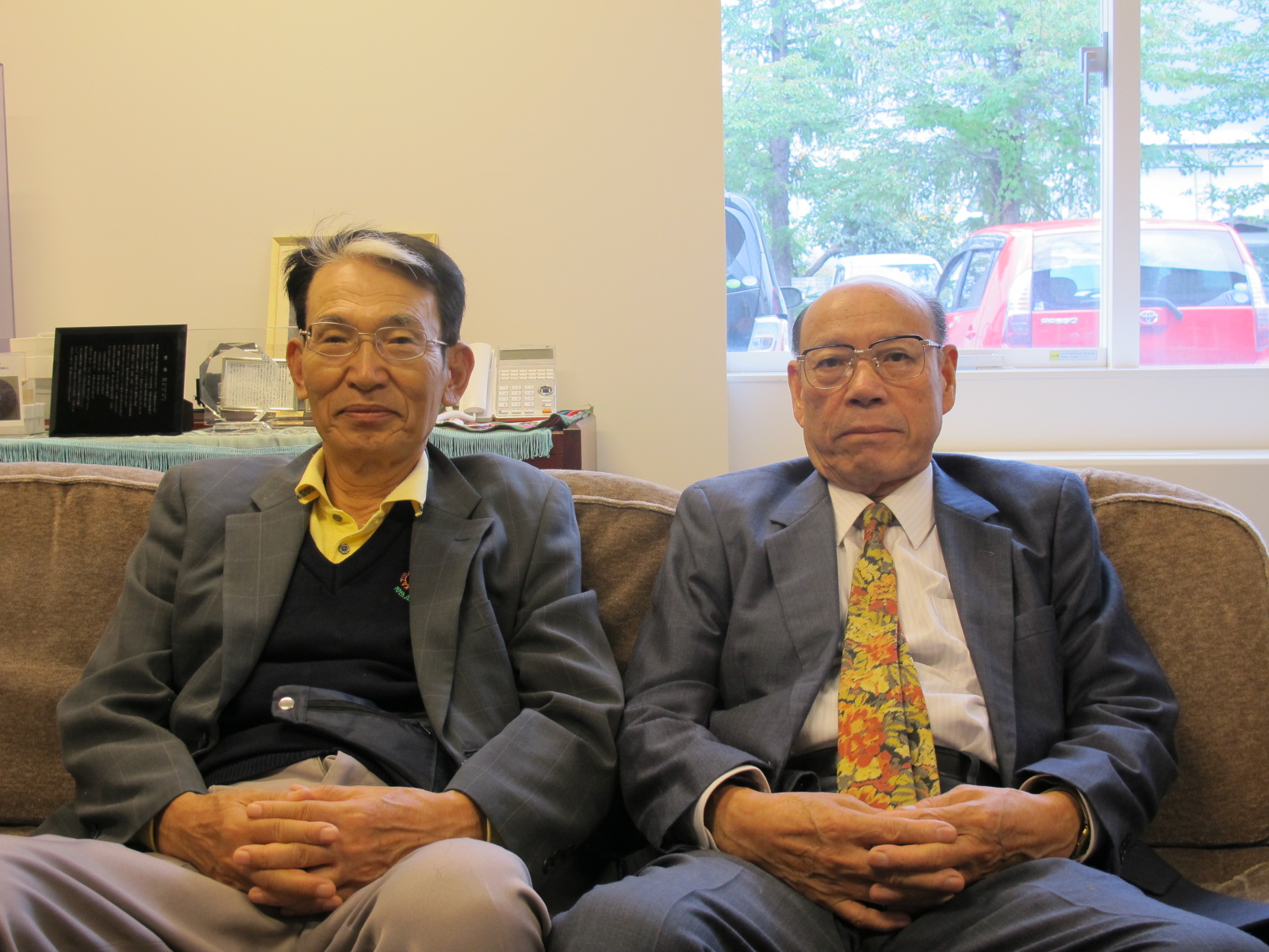 江辺純三(M32)先輩と藤倉嘉昭名誉教授(T32)が来訪_c0075701_12462516.jpg