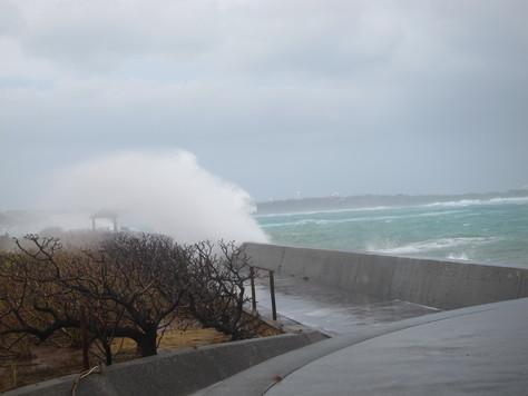 10月18日台風中継(^^;)_c0070933_20535859.jpg
