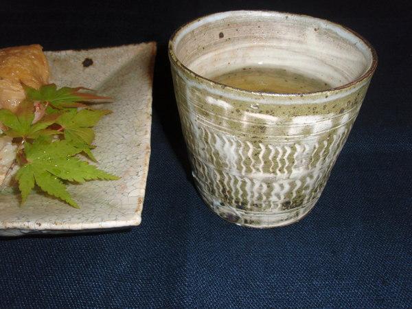 尾形アツシさんの角皿と彫三島_b0132442_15104254.jpg