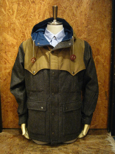 Mt RAINIER DESIGN MOUNTAIN PARKA入荷!!!_b0121563_16473221.jpg