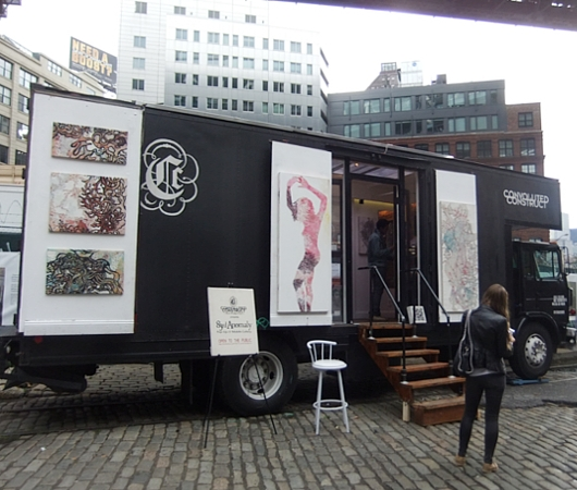NYの街角で見かけたギャラリー・トラック Convoluted Construct_b0007805_0334919.jpg