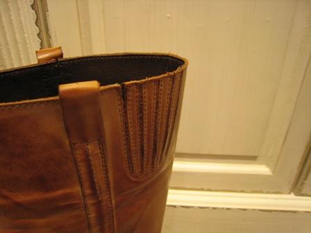 今年は、シンプルなロングブーツが欲しいです。_c0227633_1941666.jpg