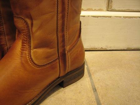今年は、シンプルなロングブーツが欲しいです。_c0227633_1951576.jpg